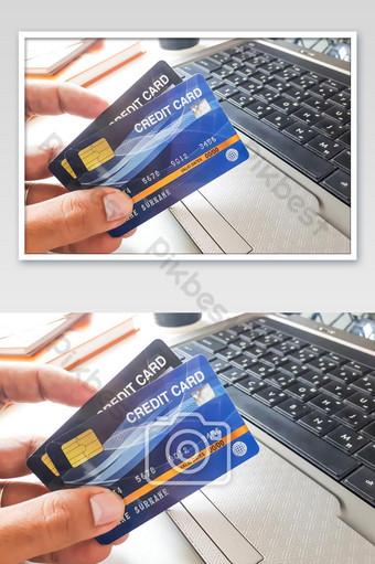 Technologie de carte de crédit et concept de mode de vie La photographie Modèle JPG