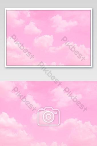 hermoso cielo y nubes en suave color pastel suave nube rosa en el fondo del cielo Fotografía Modelo JPG