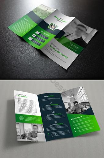Modèle de conception de brochure à trois volets dans une mise en page de style abstrait vert moderne Modèle AI